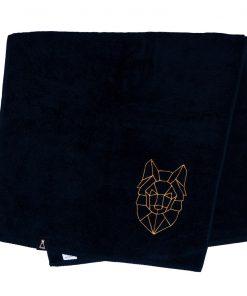Bawełniany czarny ręcznik z haftowanym złotym wilkiem