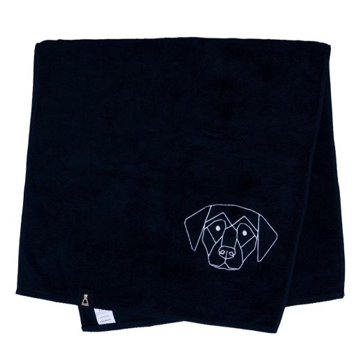 Bawełniany czarny ręcznik z haftowanym białym psem